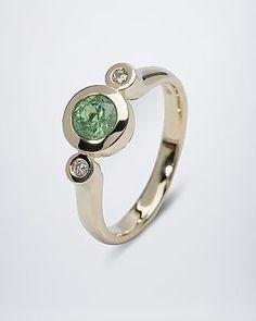 Sogni d'oro Ring mit Demantoid und Brillanten - #Edelstein #schmuck von #sognidoro #gemstone #jewelry by #sogni doro
