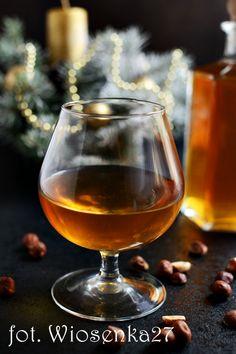 Nalewka na orzechach laskowych Alcoholic Drinks, Beverages, Irish Cream, Liquor, Vogue, Homemade, Wine, Cooking, Recipes