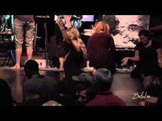 Won't Be Afraid (Spontaneous) Worship - Steffany Gretzinger & Jeremy Riddle - YouTube