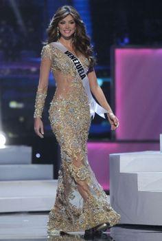 Desfile en traje de gala Vanessa Goncalves - Miss Universo 2011