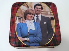 Charles & Diana Walkers Shortbread Tin - Vintage British Royalty Wedding Commemorative