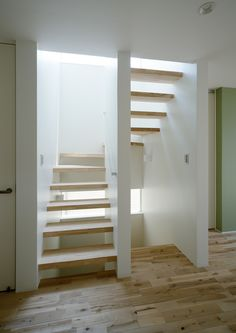 For custom-made houses, the architecture firm Freedom Architects offers design - house / floor plan with ceramic cladding [Nerima-ku, Tokyo] Freedom Architects - For bespoke houses, the architecture firm Freedom Arc U Shaped Staircase, Loft Staircase, House Stairs, Staircase Design, Room Under Stairs, Open Stairs, Attic Master Bedroom, Rooftop Terrace Design, Farmhouse Architecture