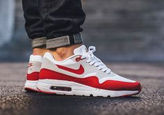 Air Max 1 Credits: @sneakernews by whttwr