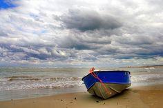 Con Dios no hay problemas, hay oportunidades. LEE LA REFLEXIÓN COMPLETA EN: http://cpm.com.es/sobre-las-olas/