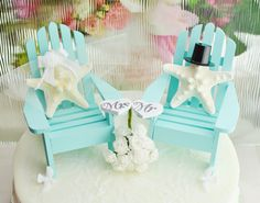 Beach wedding cake toppers with starfish