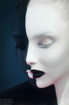 Maquillage noir et blanc : negative space Creative Photography, White Photography, Fashion Photography, Makeup Fx, Kreative Portraits, Make Up Art, Fantasy Makeup, Face Art, Body Art Tattoos