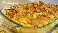 Bacalhau no forno com batatas e cebolada Cod Recipes, Salmon Recipes, Fish Recipes, Seafood Recipes, Cooking Recipes, Healthy Recipes, Bacalhau No Forno Com Cebolada, My Favorite Food, Favorite Recipes
