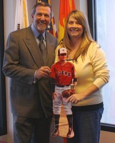 Flat Robby and his mom Julie meet with Congressman Campbell and ask him to REMEMBER ME!