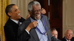 Photo appears to show Bill Russell kneeling with Presidential Medal of Freedom - Yahoo Sports