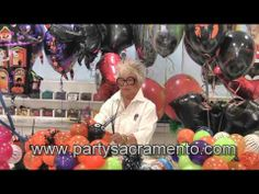 How to make Halloween Balloon Centerpieces from The Party Concierge