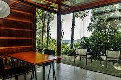 Ganhe uma noite no Encantadora Cabana Sobre o Mar - Cabanas para Alugar em São Sebastião no Airbnb!