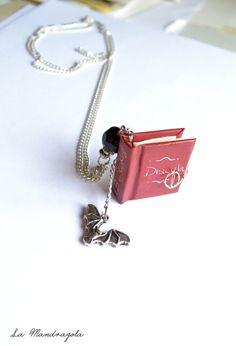 #Dracula #Miniature #Book #Necklace #Halloween #tiny book di Mandragola, €17.00