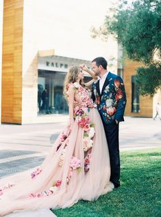 Cheap dress skater, Buy Quality gown prom directly from China dress quality Suppliers: Romantic 2016 New Sexy One Shoulder Multicolor Flower Tulle Ball Gown Wedding Dress Bridal Gown vestido de noiva robe de mariage Colored Wedding Gowns, Wedding Dresses With Flowers, White Wedding Dresses, Floral Wedding, Wedding Blush, White Gowns, Gown Wedding, Bridal Outfits, Bridal Dresses