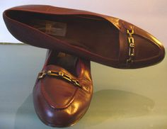 Vintage Etienne Aigner Oxblood Flats Made in Italy 7.5M by EurotrashItaly on Etsy