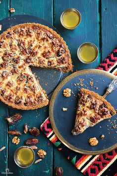 This tart could not be easier or more delicious! Cinnamon spiced digestive biscuit crust, layered with soft dates, walnuts and caramelized condensed milk. Ramadan Desserts, Easy Desserts, Dessert Recipes, Dessert Ideas, Cinnamon Spice, Cinnamon Rolls, Middle Eastern Desserts, Digestive Biscuits, Food Inspiration