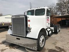 #ThrowbackThursday Check out this 1985 Freighltiner FLC112. View more #Freightliner Trucks at http://www.nexttruckonline.com/search?make=FREIGHTLINER&s-type=truck #Trucking #NextTruck #tbt