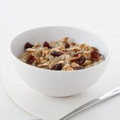 Healthy Breakfast Recipe: Overnight Oatmeal with Almonds and Dried Cranberries