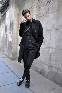 Nice style all in black
