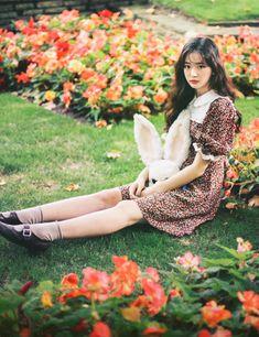 milkcocoa Face Angles, Cute Prom Dresses, Ulzzang Girl, Human Body, Korean Girl, Pretty Girls, Girly, Beautiful Women, Backdrop Ideas