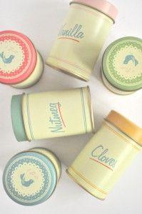 adorable set of 6 vintage-inspired spice tins