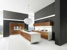 design de la cuisine moderne en blanc et gris aux éléments en bois