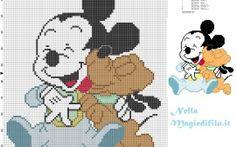 Mickey Mouse bebé con Pluto bebé