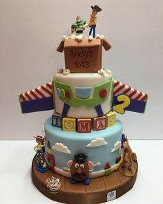 There's nothing I love more than a themed birthday cake done right, and as a Toy Story fanatic, I'm more than impressed with the way talented bakers all over Toy Story Birthday Cake, Themed Birthday Cakes, 3rd Birthday Parties, Birthday Fun, Birthday Ideas, Bolo Toy Story, Toy Story Baby, Toy Story Theme, Festa Toy Store