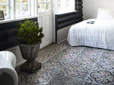 Moroccan tiles and bedroom of norwegian cabin Bedroom Floor Tiles, Bedroom Flooring, Old Cottage, Inside Home, Moroccan Tiles, Home Reno, Beautiful Bedrooms, Log Homes, Design