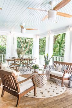 A back porch makeover with money-saving DIY home improvement projects and budget decorating solutions.  #porchmakeover #summer