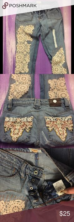 Antik denim doily distressed jeans. Size 25 Unique designer jeans with doilys stitched on for a distressed look. Antik Batik Jeans Flare & Wide Leg