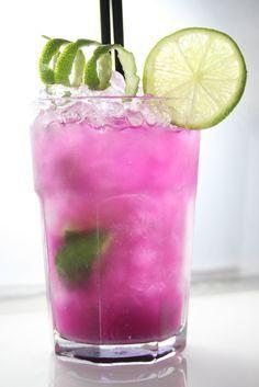 Die Zubereitung dieses Cocktails und viele weitere Cocktailrezepte und Inspirationen findest du auf Cocktails.de. Jetzt deine Lieblings-Drinks mixen!