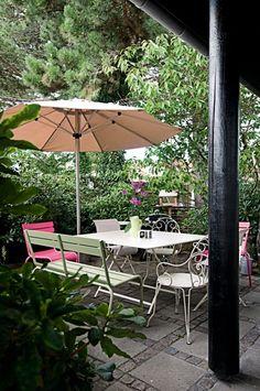 outdoor furniture from Fermob. Outdoor Garden Furniture, Outdoor Rooms, Outdoor Living, Outdoor Decor, Deck Decorating, Garden Inspiration, Garden Ideas, Green Rooms, Decoration