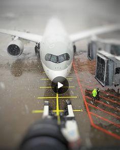 """Gefällt 35 Mal, 0 Kommentare - Bruno Lauper [28.4K] (@brunoboeing787) auf Instagram: """"10.02.2021 Zurich Airport • • #motionleap #deicing #snowyairport #olympus1240pro #olympuscamera…"""""""