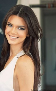 Kendall jenner, only kardashian i like Jenner Girls, Leila, Corte Y Color, 2015 Hairstyles, Kendall And Kylie Jenner, Dark Hair, Pretty Face, Kardashian Jenner, Hair Makeup