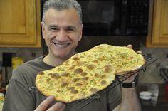 Ecco la ricetta della focaccia croccante al rosmarino.E' una focaccia semplice ma molto gustosa.