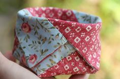 Tutorial: Make a thread catcher from fabric strips