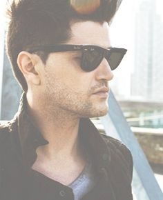 Danny O'Donoghue, sexy in his own way.