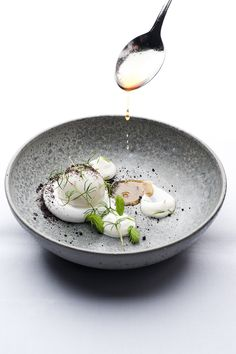 Food photography from NaCl Dinning Club 3 Wine Recipes, Gourmet Recipes, Gourmet Foods, Gourmet Desserts, Plated Desserts, Food Photography Styling, Food Styling, Michelin Star Food, Table D Hote