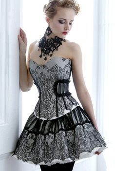 Very simple but cool gothic dress. I LOVE the gray and the design on the fabric.