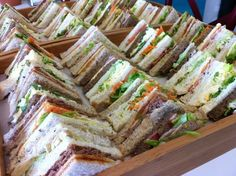 Brunch – Sandwich Platters … – The Recipes Party Trays, Party Platters, Food Platters, Party Snacks, Sandwich Platter, Sandwich Fillings, Sandwich Shops, Sandwich Recipes, Menue Design