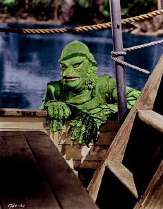 Creature from the Black Lagoon movie in color Classic Monster Movies, Classic Horror Movies, Classic Monsters, Beetlejuice, Frankenstein, Hollywood Monsters, Beast Creature, Horror Comics, Horror Movies