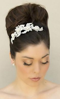 Used Tiara/Hair Accessory: buy this accessory for a fraction of the salon price on PreOwnedWeddingDresses.com