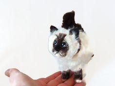 Persian cat - needle felted by BenMcfuzzylugs on Etsy