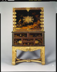 The Royal Collection: Cabinet and stand Cabinet and stand Japanese.1685-1725    This cabinet was originally in the Brighton Pavilion in the late 1800s it was moved to Windsor Castle