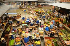 6 Best Floating Markets to visit in Thailand - FeetDoTravel