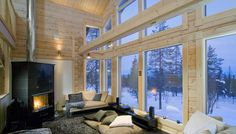 It is cozy to sit inside and watch the stars in the sky. Happy new year! - Home Decor Interior Architecture, Interior And Exterior, Log Home Interiors, Barcelona, Home Pictures, Cabins In The Woods, Cottage Homes, Large Windows, Log Homes