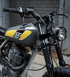 Manners powder-monkees-yamaha-sr500-215