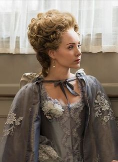 This woman in gorgeous in AND out of costume! Ksenia Solo as Peggy Shippen (Arnold).