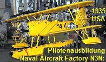 Naval Aircraft Factory N3N: Die US Navy nutzte das Wasserflugzeug primär zur Pilotenausbildung ab 1938 Us Navy, Aircraft, Helicopters, Simple Machines, Landing Gear, Pilots, Training, Aviation, Planes