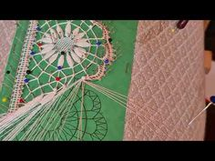 Encaje Gallego La Maravilla,Parte Central - YouTube Fair Grounds, Lace, Youtube, Center Part, Bobbin Lacemaking, Hand Fans, You Are Awesome, Tutorials, Dots